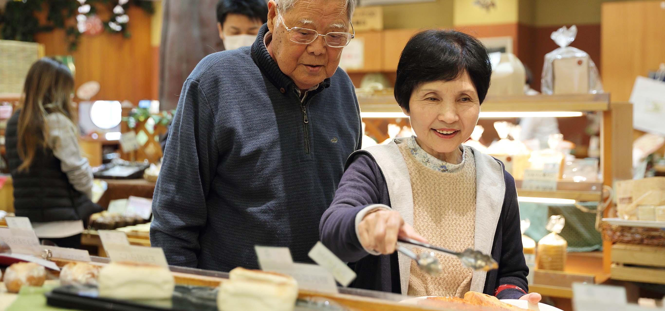 パン屋になった、笑顔が増えた。老夫婦